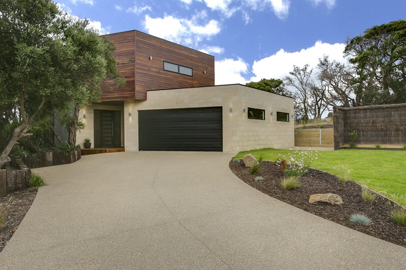 Moonah Links architectural built house
